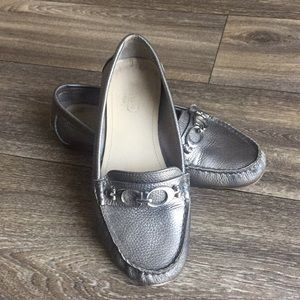 Coach Fortunata Pewter Leather Loafer Size 6